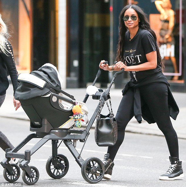 Ciara et son fils photo