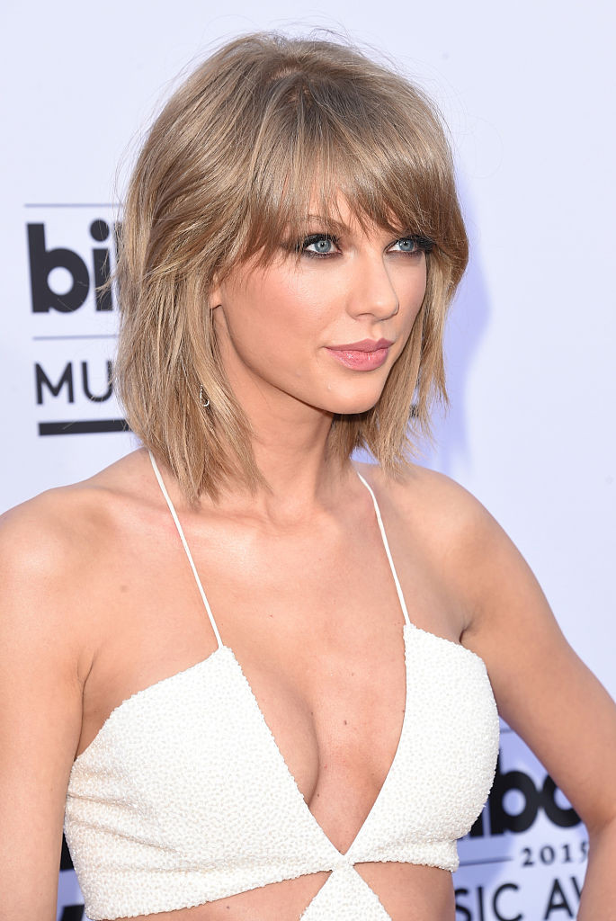 coupe de cheveux multi-couches taylor swift